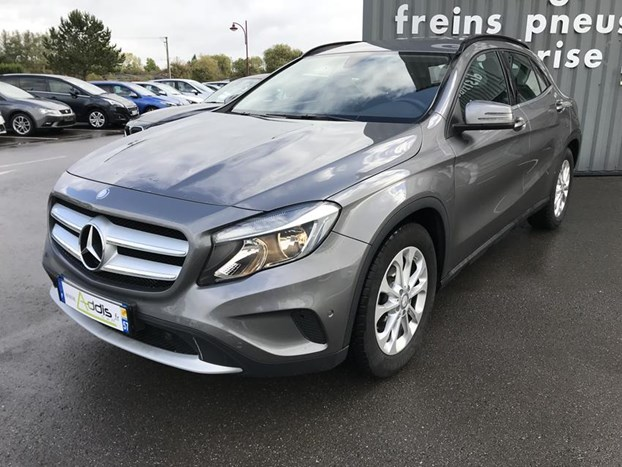 AddIsCar: Mercedes-Benz GLA 200 D